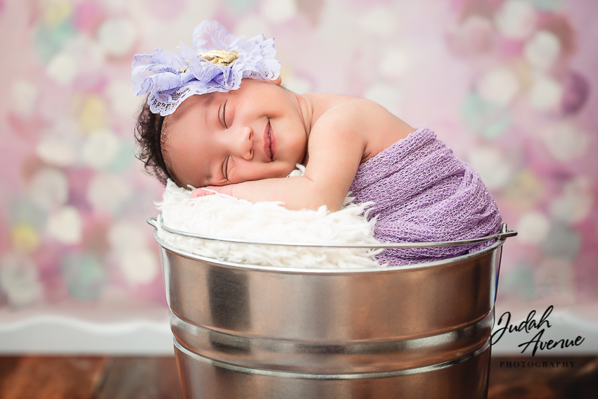 Newborn photographer in new york brooklyn queens dumbo long island and manhattan